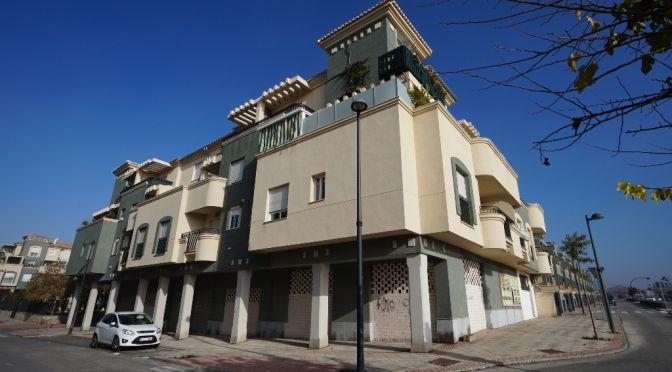 Locales comerciales en Ronda Lindaraja Residencial
